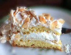 This German Blitz Torte recipe is such a quick and easy cake to make - great for holidays and birthdays. Blitz means lightning and this cake IS lightning fast to make! German Desserts, Just Desserts, German Recipes, Hungarian Recipes, French Recipes, Italian Recipes, Easy Cakes To Make, Food To Make, Baking Recipes