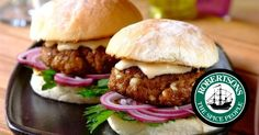 Hamburgers are loved by young and old. Use this Robertsons hamburger recipe to make a gourmet burger that will be a tremendous hit with everyone. Homemade Hamburger Patties, Homemade Hamburgers, Hamburger Recipes, Wine Recipes, Cooking Recipes, Patties Recipe, Gourmet Burgers, Fabulous Foods, Perfect Food
