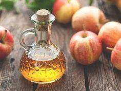 How to make Raw Organic Apple Cider Vinegar with mother at home Better t... Apple Cider Vinegar Cellulite, Vinegar For Acne, Apple Cider Vinegar Facial, Apple Cider Vinegar Remedies, Apple Cider Vinegar Benefits, Organic Apple Cider Vinegar, The Hangover, Lower Blood Sugar Naturally, Bebidas Detox