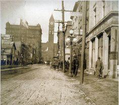 Looking North Up Bay Street  Toronto 1912
