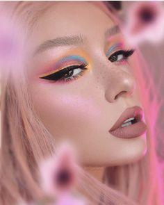 Flame petal🔥 ⠀⠀⠀ Used: ⠀ ⠀⠀ Huda Beauty Electric obsessions Lash Farah Liquid lipstick HEARTBREAKER de maquillaje de ojos Makeup Eye Looks, Eye Makeup Art, Cute Makeup, Gorgeous Makeup, Glam Makeup, Pretty Makeup, Skin Makeup, Makeup Inspo, Makeup Inspiration