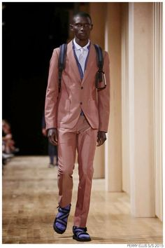 Perry Ellis Returns to New York Fashion Week with Graphic Spring/Summer 2015 Collection