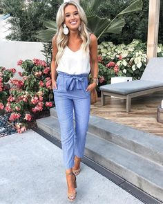37 Look Good Casual Chic Outfits – Casual Outfit – Casual Summer Outfits Casual Chic Outfits, Outfit Chic, Women's Casual, Summer Business Casual Outfits, Summer Pants Outfits, Casual Chic Summer, Cute Spring Outfits, Professional Summer Outfits, Blue Pants Outfit