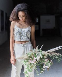 Love this style with the blousy bouquet. Edgy yet feminine bridal wear. Laid Back Wedding, Wedding Jumpsuit, Bridal Separates, Alternative Wedding Dresses, Haute Couture Fashion, Wedding Looks, Wedding Suits, Bridal Collection, Bridal Style