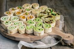 5 x wrap snacks Birthday Snacks, Snacks Für Party, I Love Food, Good Food, Yummy Food, Food Porn, High Tea, Clean Eating Snacks, Food Inspiration