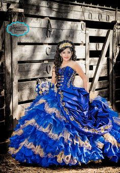 More Charro Pictures ideas by Jaquiphotography Sweet Fifteen, Fancy Gowns, Nice Dresses, Formal Dresses, Quinceanera Dresses, Ball Gowns, Nail Designs, Ballet, Cakes