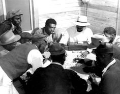 Black men playing cards in Haven, Florida. February 1941.