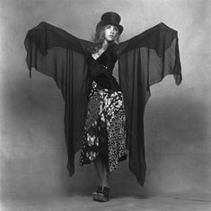 "Happy Birthday Stevie Nicks 🎩⭐️ Stevie has an awesome story about how she wrote the Fleetwood Mac song, ""Dreams"" on Sly Stone's Rhodes piano 🎹✨ Stevie Nicks Birthday, Stevie Nicks 70s, Stevie Nicks Costume, Stevie Nicks Quotes, Stevie Nicks Fleetwood Mac, Fleetwood Max, Stevie Nicks Bella Donna, Stevie Ray, 70s Fashion"