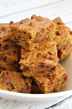 Pumpkin Cinnamon Chip Bars #recipe #fall #baking