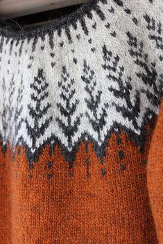 Koti männikössä Knitting Designs, Knitting Patterns Free, Free Pattern, Fair Isle Knitting, Hand Knitting, Pulls, Handicraft, Autumn Winter Fashion, Diy And Crafts