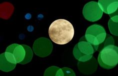Merry Moon: Rare full moon on Christmas Day - CenturyLink