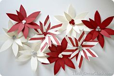 An easy paper #poinsettia craft for the holidays! #Christmas