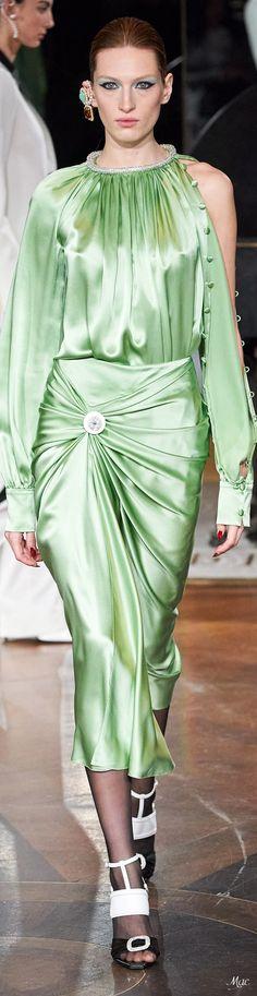 Fashion 2020, Runway Fashion, Fashion Show, Womens Fashion, Fashion Design, Green Fashion, Colorful Fashion, Autumn Fashion, Silk Satin Dress
