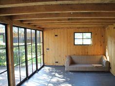 Tuinkamer met stalen ramen