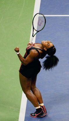 Serena Williams Beats Sister Venus US Open 2015 West Palm Beach, Venus And Serena Williams, Professional Tennis Players, Angeles, Sports Figures, Teen Vogue, Athletic Women, Female Athletes, Animal Design