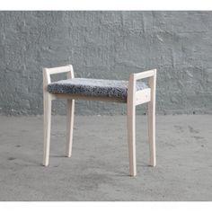 Meja - Stol i lakeret eg med en bredde på 58 cm. Outdoor Furniture, Outdoor Decor, Stool, Elegant, Design, Home Decor, Classy, Stools, Interior Design