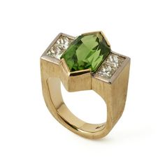 The Beauty of Bespoke Engagement Rings (Or, why you should go for it) - The Cut