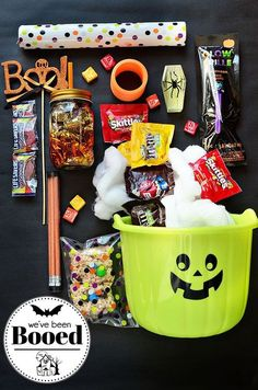 ImageFind images and videos about love, party and candy on We Heart It - the app to get lost in what you love. ImageFind images and videos about love, party and candy on We Heart It - the app to get lost in what you love. Dulceros Halloween, Halloween Festival, Spirit Halloween, Holidays Halloween, Halloween Treats, Halloween Decorations, Halloween Plates, Halloween Gift Baskets, Fall Gift Baskets