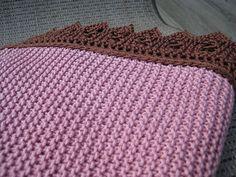 Lace-Edged Baby Blanket WG50 SO43 by Elizabeth Zimmermann