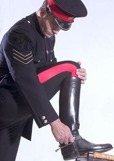 It is already hard for me to choose to wear from my collection - over a dozen pairs of tall black leather boots. Just imagine those who have over 100 pairs of boots, where do you start? Black Leather Boots, Leather Men, Mens High Boots, Men In Uniform, Equestrian Outfits, Cool Boots, Men Looks, Riding Boots, Sexy Men