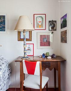 38-decoracao-quarto-mesa-de-cabeceira-quadros
