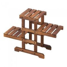 Zigzag Pallet Plant Stand - Giftspiration Diy Pallet Sofa, Wooden Pallet Projects, Wooden Pallet Furniture, Wooden Pallets, Pallet Ideas, Diy Furniture, Pallet Wood, Pallet Patio, Diy Projects