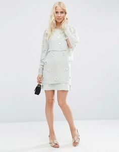 Discover the latest in women's fashion and men's clothing online. Shop from over styles, including dresses, jeans, shoes and accessories from ASOS and over 800 brands. ASOS brings you the best fashion clothes online. Fashion Clothes Online, Online Shopping Clothes, Latest Clothes, Going Out Dresses, Dresses For Work, Cropped Tops, Latest Dress, Latest Fashion Trends, Asos