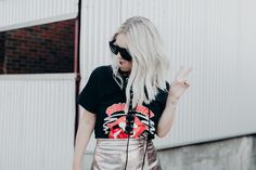 Rolling stones t-shirt and metallic skirt outfit Blonde Hair Goals, Blonde Hair With Highlights, Blonde Color, Graphic Tee Style, Graphic Tees, Metallic Skirt Outfit, One Teaspoon Shorts, Skirt Outfits, Rolling Stones