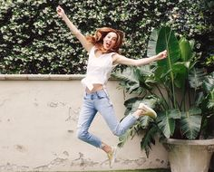 Eva Amurri Martino shares what her mornings look like - her favorite morning distraction, why she loves SnapChat and her daily uniform... #mornings #bloggers