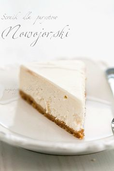 Plain Cheesecake with Sour Cream Topping Sour Cream Cheesecake, Plain Cheesecake, Cheesecake Recipes, Cupcakes, Cupcake Cakes, Cake Varieties, Pudding, Piece Of Cakes, Food Menu