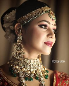 Mortantra, the one-stop destination for the bridal jewelry! You just can't take your eyes off their mesmerizing collections with intricate Kundan work Silver Jewellery Indian, Indian Wedding Jewelry, Bridal Jewelry, Silver Jewelry, Indian Wedding Bride, Wedding Girl, Black And Silver Eye Makeup, Bridal Makeover, Bridal Poses
