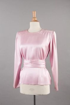 Yves SAINT LAURENT haute couture n° 69603 circa 1990 Blouse en satin de
