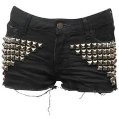 studded shorts for spring, bam. Punk Fashion, Gothic Fashion, Fashion Outfits, Womens Fashion, Pastel Outfit, Grunge, Studded Shorts, Studded Denim, Diy Shorts