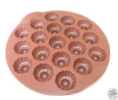 Chocolate bites recipe - Tupperware - Bites mold - Tupperware with Céline - Recettes tuperware Tupperware, Diy Christmas Crackers, Christmas Diy, Healthy Toddler Breakfast, Flan, Biscuits, Nutella, Buffet, Food And Drink
