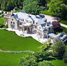 """Luxury Homes and Real Estate The Hamptons Waterfront Mansion """"Villa Maria"""" for… Dream Mansion, Mega Mansions, Luxury Homes Dream Houses, Dream Homes, Expensive Houses, Celebrity Houses, Big Houses, Estate Homes, Luxury Real Estate"""