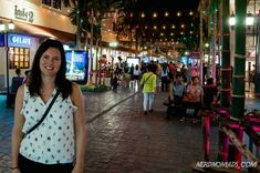 Bangkok is a great city for shopping with its many great shopping centers and markets. Here are the best places to go shopping in Bangkok! Bangkok Travel Guide, Thailand Travel, Shopping Center, Go Shopping, Great Places, Places To Go, The Good Place, Good Things