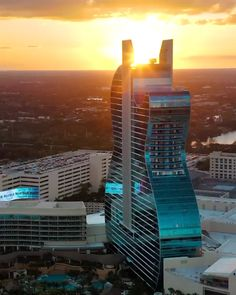 Designed to resemble back-to-back guitars, complete with guitar faces and brightly lit strings, this engineering masterpiece reaches 450 feet into the sky. Book now at slay lifestyle #slaylifestyle #slay #slaylebrity #hardrock #guitarhotel #guitarhotelhardrock #luxuryhotel #extravagance #luxuryconcierge #florida
