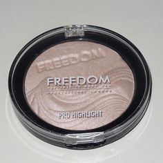 Post about this gorgeous highlighter today from @freedom_makeup on beautyandtheboy.com keep an eye out! #bbloggers #highlight #highlighter #freedommakeup #defused #prohighlight