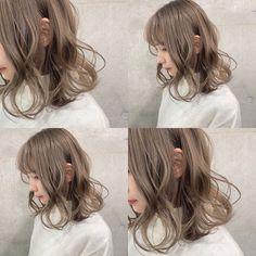 """武田 響/ミルクティーカラー/バンド好き美容師 on Instagram: """"ミルクティーベージュ☺︎ #kyo_ミルクティーカラー . ケアブリーチ×カラー ¥11300〜 ブリーチ×カラー ¥9800〜 カラー単品 ¥6080〜 . netまたはDMかお電話からお気軽にご予約やお問い合わせくださいませ✳︎ . ◉ブリーチ剤 : FIBRE PLEX…"""" Blonde Hair Japanese, Japanese Hair Color, Korean Hair Color, Light Ash Brown Hair, Ash Brown Hair Color, Ombre Hair Color, Light Hair, Date Hairstyles, Permed Hairstyles"""