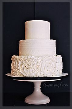 Cake With Red Chile Whipped Chocolate Ganache And Vanilla Bean Buttercream In Textures To Echo The Design Of Brides Dress Tier Sizes Serve 100