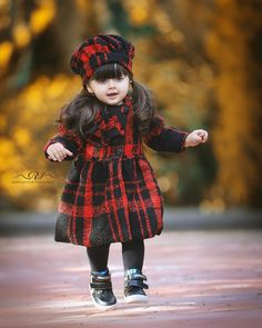 Cute Baby Girl Pictures, Cute Girl Poses, Cute Baby Dolls, Cute Babies, Cute Baby Dresses, Cute Baby Wallpaper, Celebrity Fashion Looks, Baby Dress Design, Cute Love Cartoons