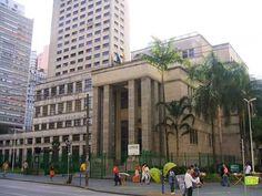 Fachada da Biblioteca Mário de Andrade tem obras de Alex Flemming