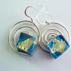 """Turquoise and gold earrings glass earrings di LaTerraCanta su Etsy You must make a gift? for you? for mom? Seize discounts to LTC! -30% Over $50.00 until June 30! code """"EARTHSINGS"""""""