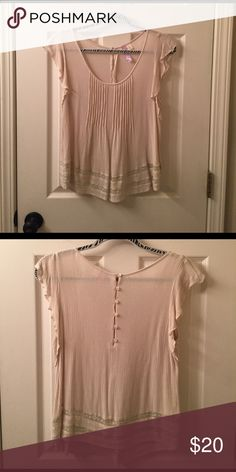 Francesca's top Alya blouse in great condition! Francesca's Collections Tops Blouses