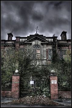 "UE Abandoned College ""X"""