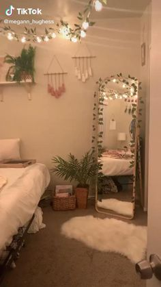 Cute Bedroom Decor, Room Ideas Bedroom, Teen Room Decor, Small Room Bedroom, Bedroom Ideas For Small Rooms For Teens, Cheap Room Decor, Cute Bedroom Ideas, Diy Room Ideas, Girls Bedroom Colors
