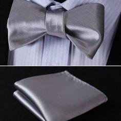 Kravatové sady a sety ako napríklad motýlik + vreckovka sú často Accessories, Fashion, Moda, Fashion Styles, Fashion Illustrations, Jewelry Accessories