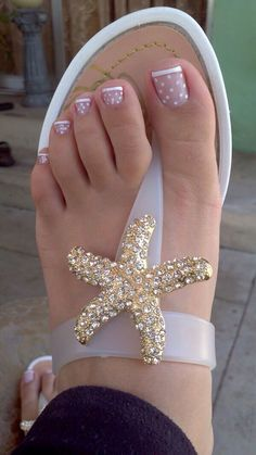 White French Tip Polka Dot Pedi nails nail art. Okay, the sandals are adorable too!