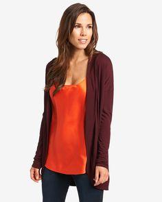 Cardigan    Lässige Shirtjacke im unifarbenen Dessin für einen entspannten Look. Die gelungene Kombination aus offener Trageweise und längerer Schnittführung verleihen der Jacke ihren unverkennbaren Look. Aus 100% Viskose....