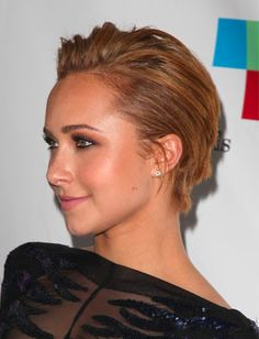 Hayden Panettiere's sleek pixie